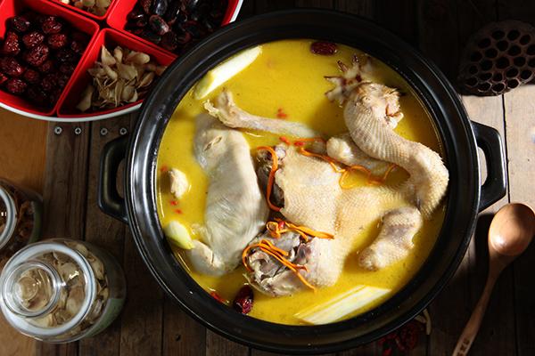 纯香花胶鸡汤